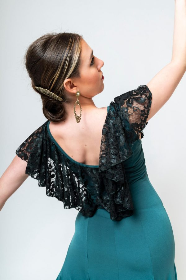 Vestido flamenca verde oliva con blonda negra en escote