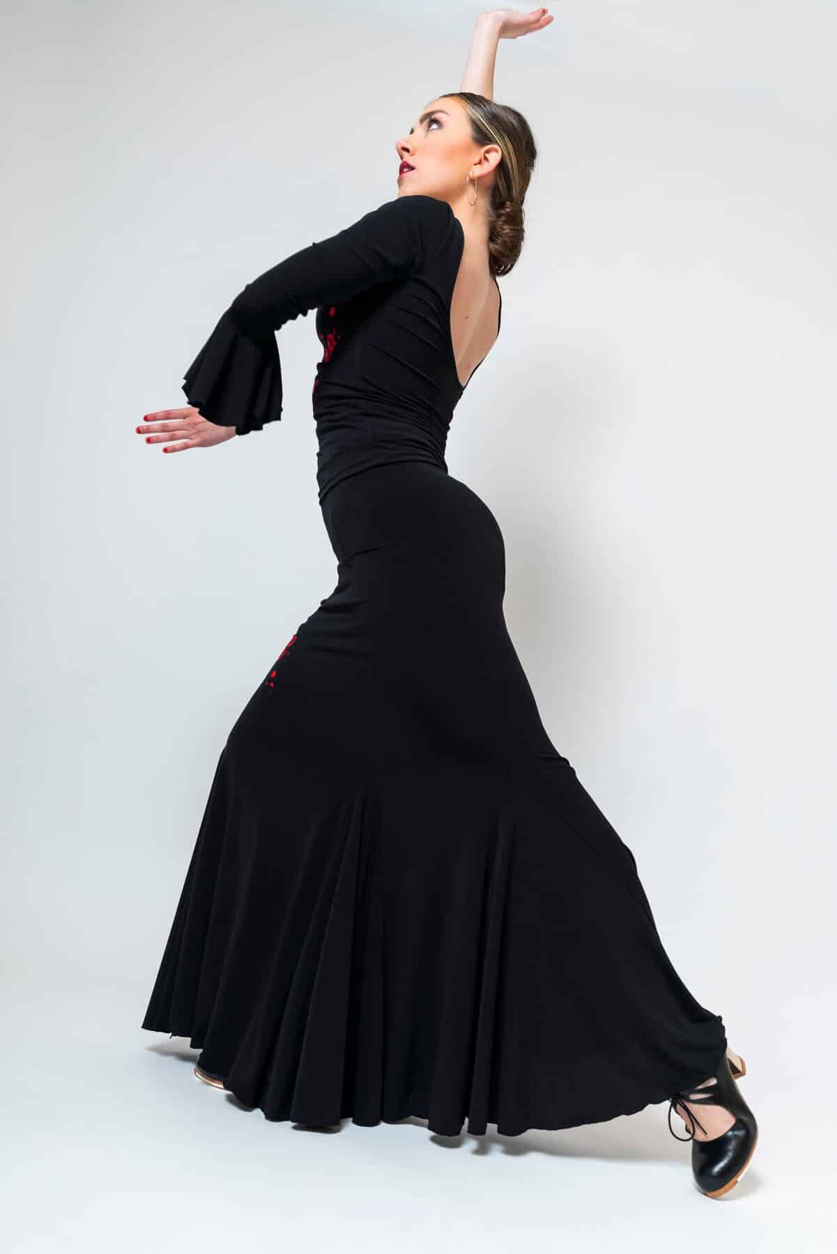 Falda negra con flores flamenco 4313