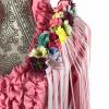 Hombrera flamenca alargada con flores